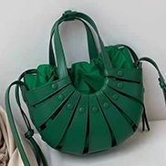 The Coquille Leather Shoulder Bag Grass Green