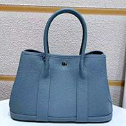 Loretta Large Tote In Leather Light Blue