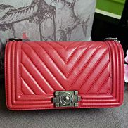 Ingrid V Shape Lamb Leather Flap Red