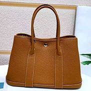 Loretta Large Tote In Leather Camel