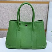 Loretta Large Tote In Leather Green