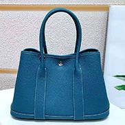 Loretta Large Tote In Leather Blue